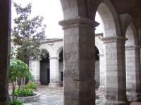 Typischer Hof im Kloster