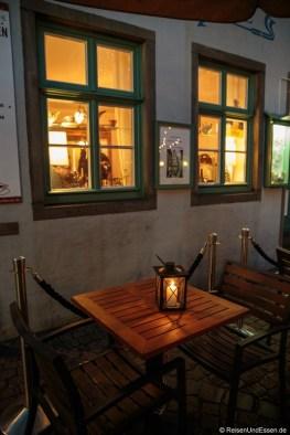 Cafe im Schnoorviertel bei Nacht