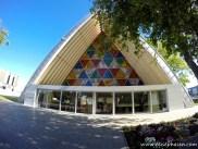 Kirche aus Kartonröhren