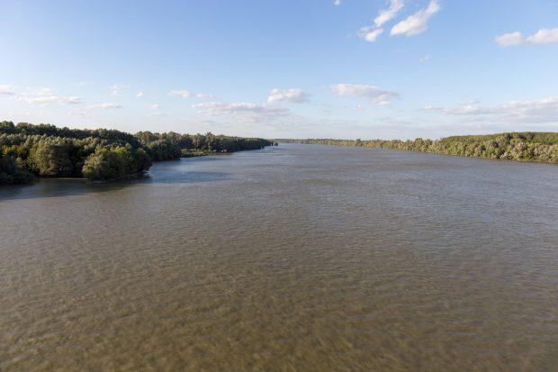 Donau von der Szent László híd aus