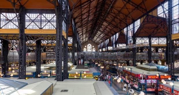 Eisenkonstruktion in der Großen Markthalle Budapest