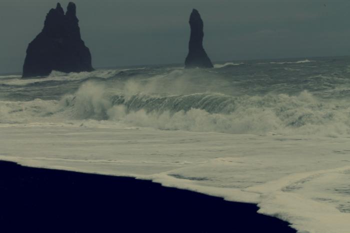 De zee bij Vik