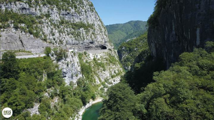 moraca canyon Danilov Most montenegro