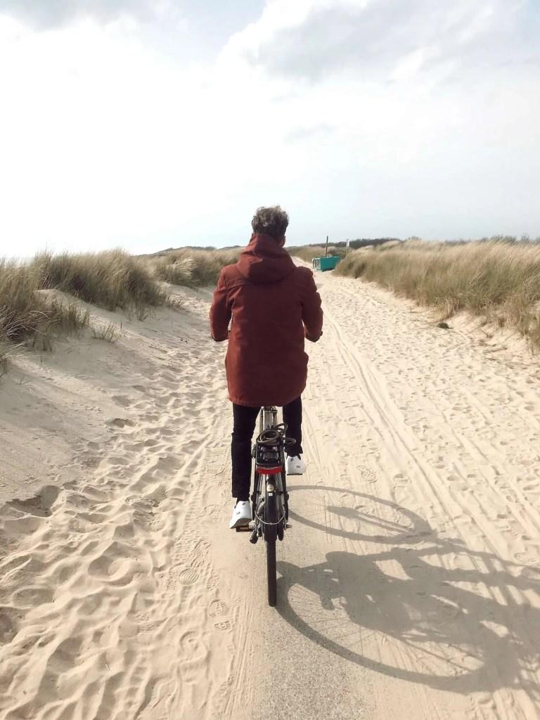 Fietsen door de duinen van Zeeland