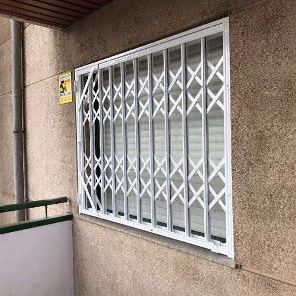 reja ballesta ventana 1 Mataró