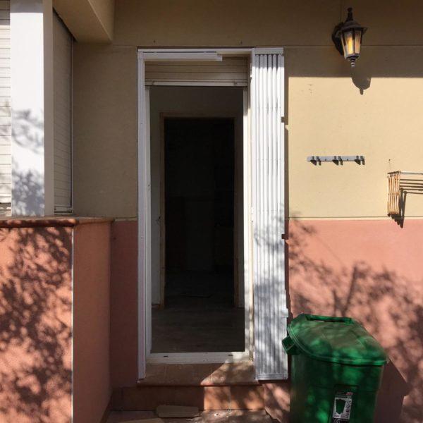 Instalación de rejas en casa de Canyelles Barcelona (1)