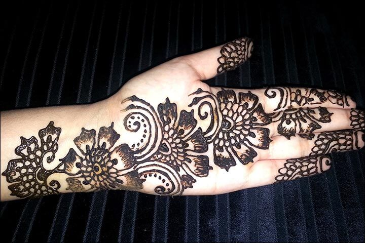 Gambar Tangan Henna Simple