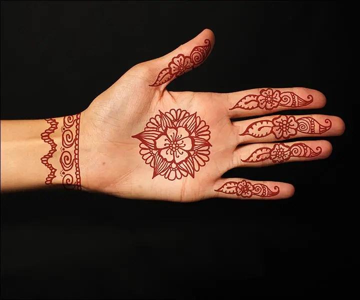 Gambar Henna Simple Dan Mudah Di Telapak Tangan