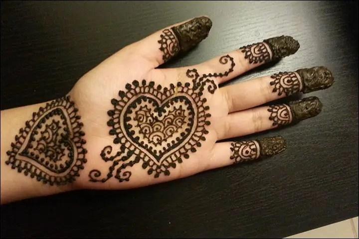 Motif Henna Simple Telapak Tangan