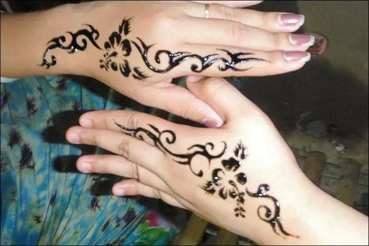 Ukiran Henna Di Tangan Simple
