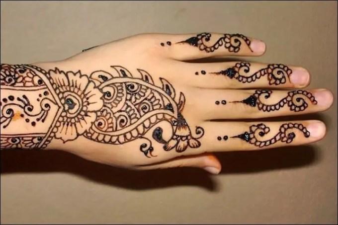 henna tangan sederhana