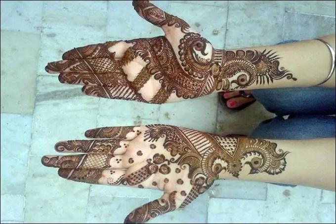 Henna Tangan Motif Grand Peacock Crown