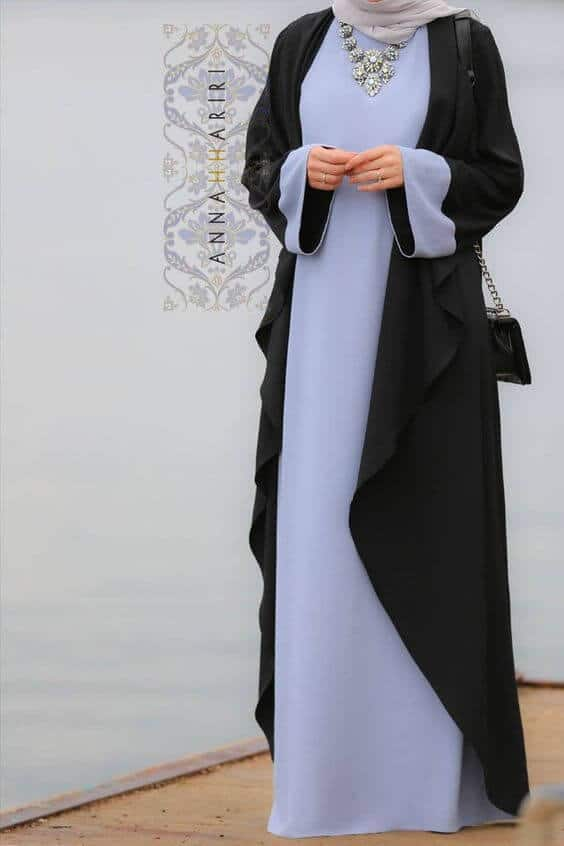 abaya model