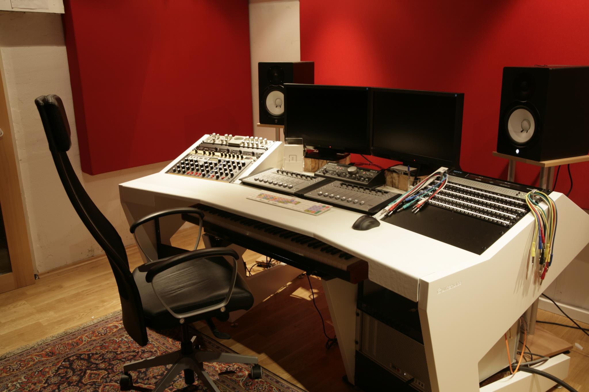 Recording Studio Chair Unterlass Duodesk Key 60 Studio Furniture Available Now