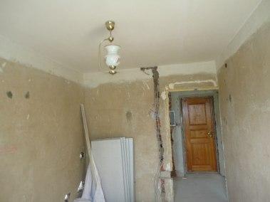 Rekonstrukce rodinného domu Praha Dobřichovice předsíň před rekonstrukce