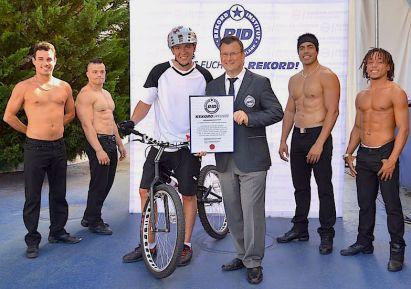 RID-rekord-fahrradspruenge-menschen5