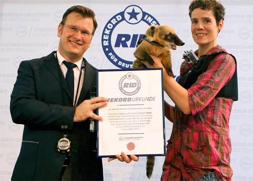 RID-Rekord-Nasenbaer-Baelle-fangen-Urkunde