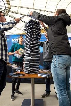 rid-rekord-buchstapel2