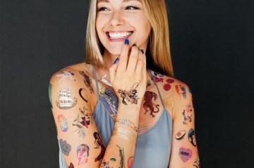 tijdelijke tattoos logo voorbeelden tattly custom