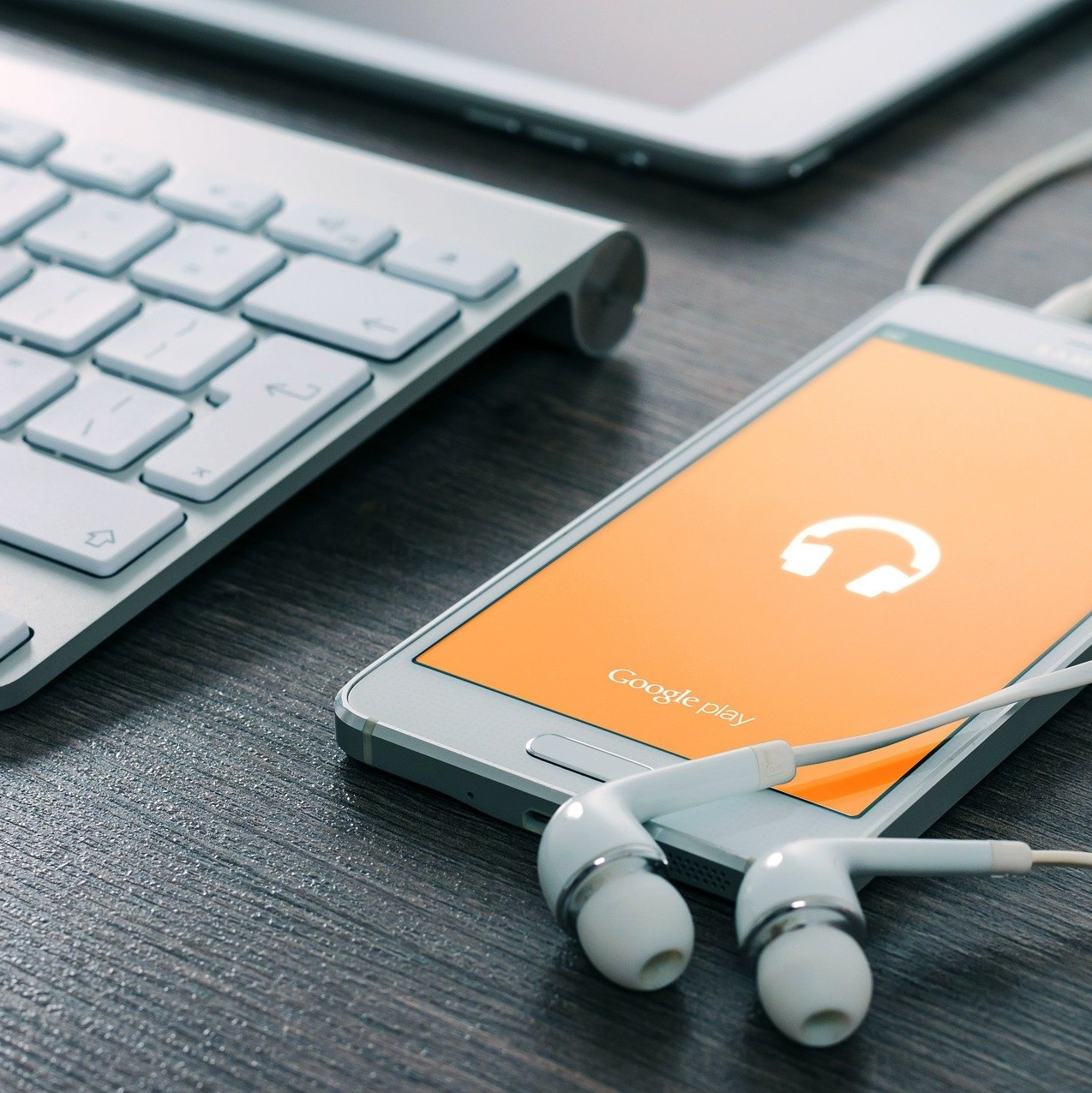 Google Podcasts replaces Google Play Music