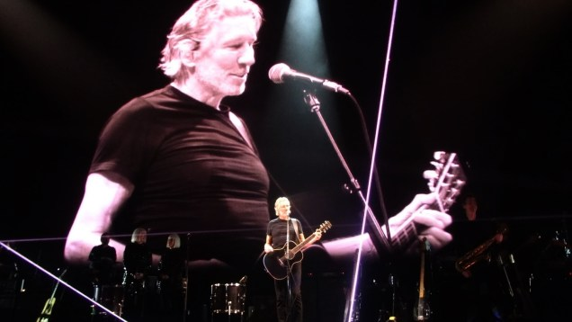 1242 Relax and Succeed - Roger Waters Us and Them 4