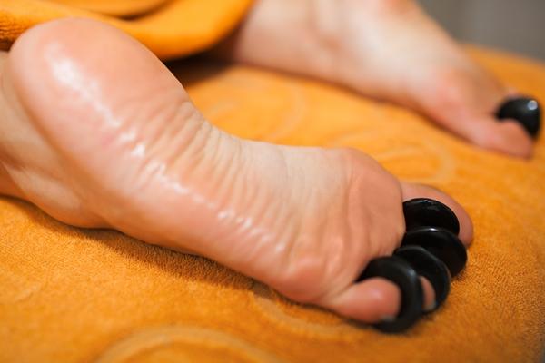 Comment augmenter son énergie avec le massage des pieds