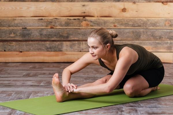 Comment vaincre un mal au ventre par la réflexologie