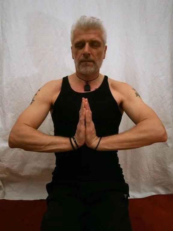 homme yoga
