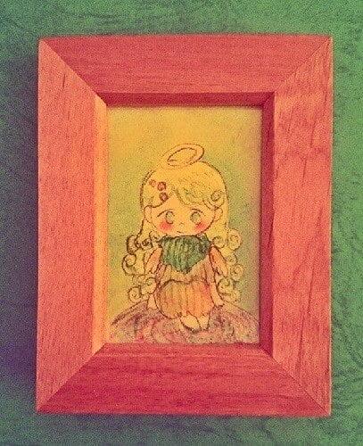 天使の女の子が正面を見ているイラスト