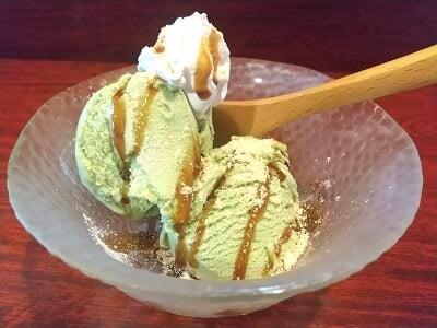 福耳国分店の別料金の抹茶アイスの写真