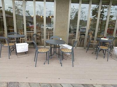 森のかぞく姶良店のアイライクホテルテラス席の写真