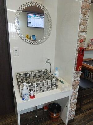 お好み焼安さんの可愛い洗面台の写真