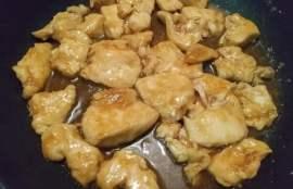 フライパンで焼いて調味料を入れて煮詰める
