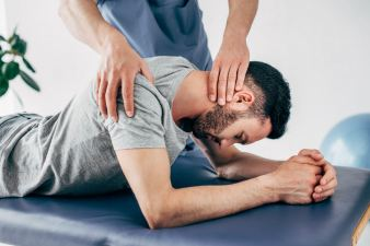 Osteopathy treatment vs Chiropractor Calgary