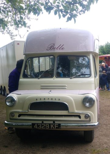 Belle vintage ice-cream van