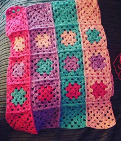 Crochet catch up - granny square project