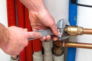Leak repair specialist fixing pipes