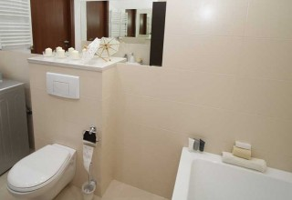 Remodel Bathroom Video how to organize a small bathroom?