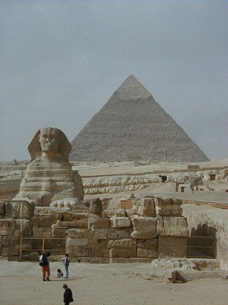 Pyramidene i Giza. Foto: Losttraveller. Wikimedia Commons.