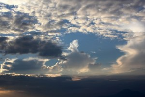 2016.01.13 - clouds-background-14242815772x2