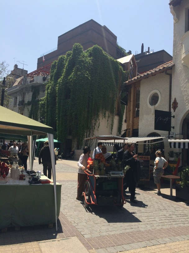 Fruit vendors and antique dealers.