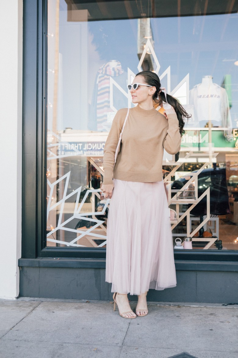 Los Angeles blogger, RELish By Arielle, wears a camel cashmere sweater by Everyone