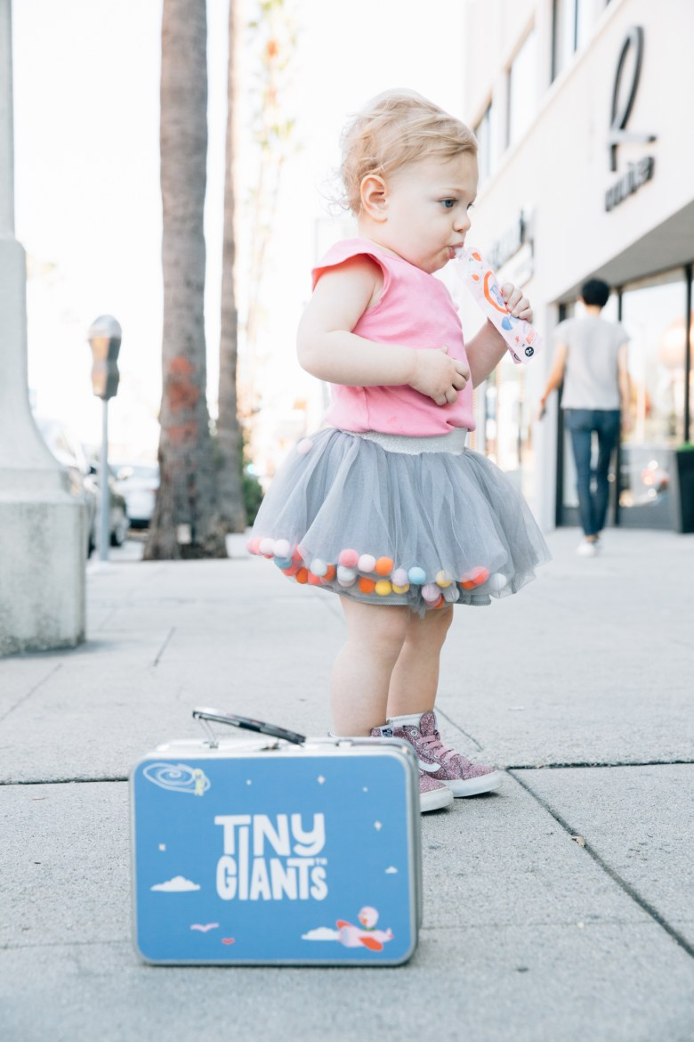 Los Angeles mom blogger, RELish By Arielle tries tiny giants pouches that are soy, gluten, dairy and nut free