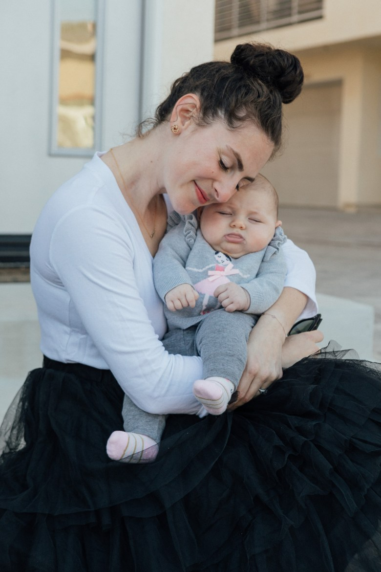 Los Angeles mom and fashion blogger, RELish By Arielle wears golden goose sneakers and a tulle skirt