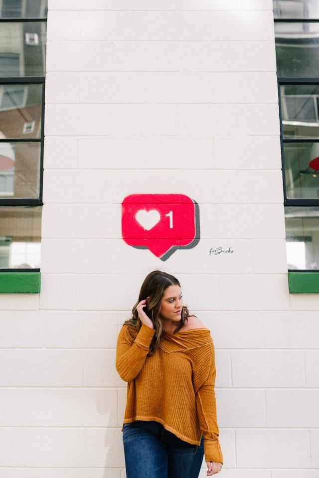 teen on social getting likes