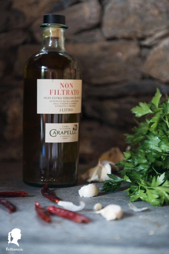 Spaghetti aglio, olio e peperonci - Schnelles Abendessen - Veganes Rezept | relleomein.de #pasta #vegan #schnellegerichte