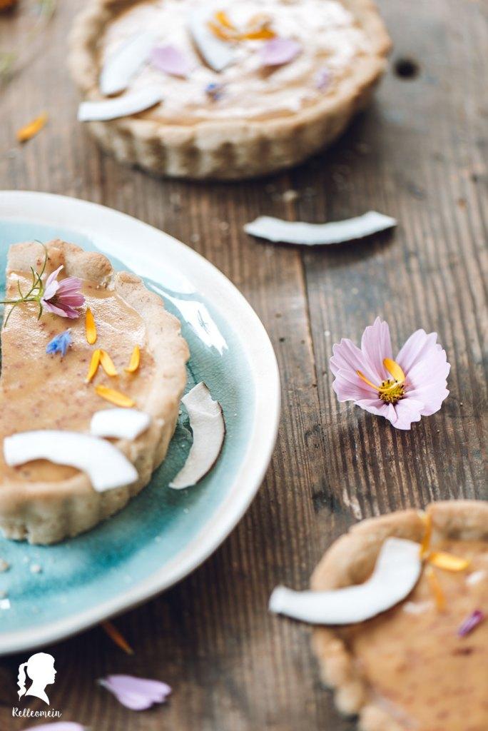 Steinobst Tartelettes - Foodblogger Rezepte - Kuchen backen   relleomein.de #backen #rezepte #kuchen
