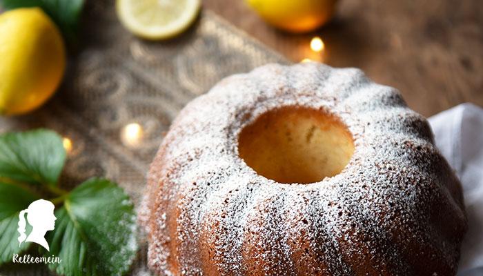 Zitronenkuchen - Besonders saftig mit frischen Zitronen | relleomein.de #foodblogger #zitronenkuchen #backen