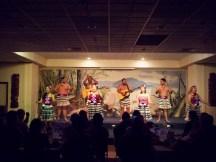 Auftritt von Nates Maori-Truppe in einem Hotel