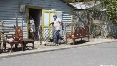 Photo of En Villa vásquez en medio de emergencia nacional por el Coronavirus mujer realiza desalojo en una vivienda sin orden judicial.
